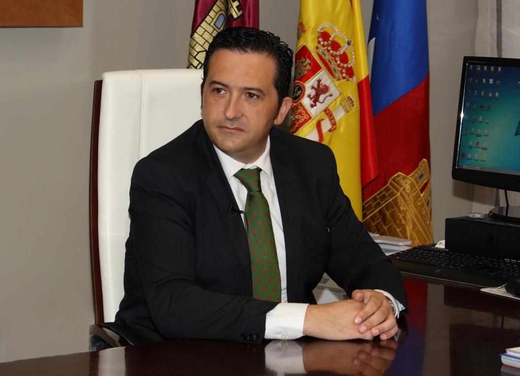 Lucas-Torres anuncia la ampliación de la sede de la Asociación Criptana Enfermos de Alzheimer