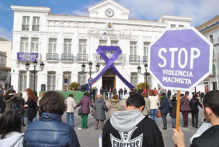 Música, compromiso y sentimiento en Tomelloso, contra la violencia de género