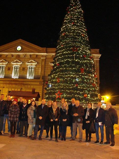 Encendido oficial de la iluminación navideña en la plaza de de España de Alcázar de San Juan