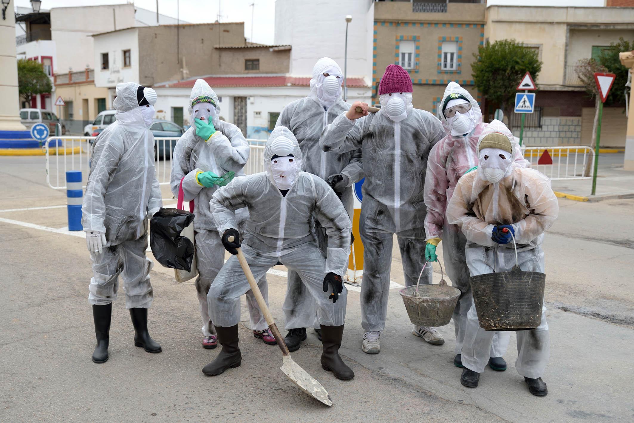 Lo absurdo y la originalidad se han dado cita en el día de la máscara callejera de Argamasilla de Alba