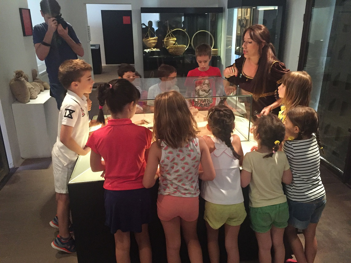 Más de 170 niños y niñas han participado en las visitas teatralizadas al Complejo Palacial y la Casa del Hidalgo en Alcázar