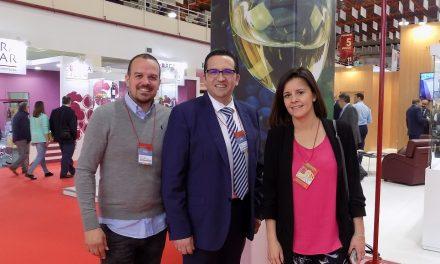 El alcalde de Campo de Criptana visitó ayer FENAVIN