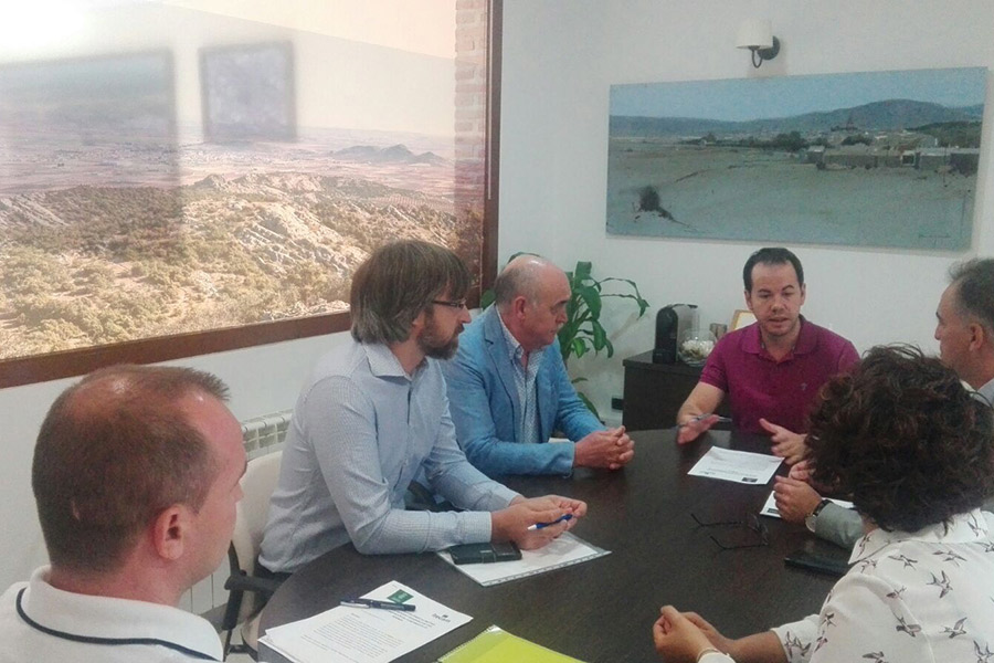 Convenio entre Itecam y el Ayuntamiento para la mejora en los proyectos de las empresas de Herencia