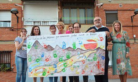 Inmaculada Jiménez participa en el homenaje a las Supernenas del barrio del Pilar