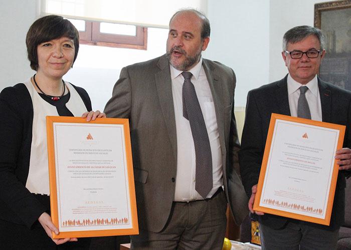 La alcaldesa de Alcázar recibe en Toledo el premio a la excelencia social como Ayuntamiento con alma