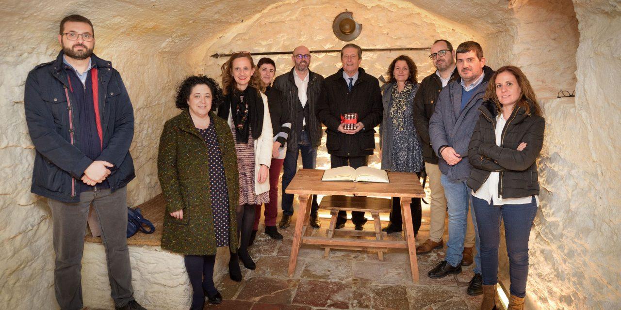 Federico Mayor Zaragoza visita el IES Vicente Cano de Argamasilla de Alba