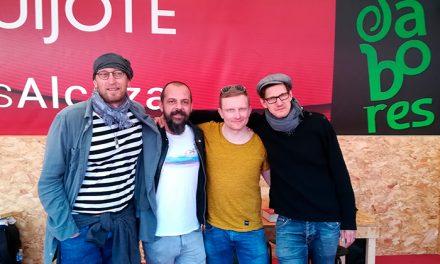 La compañía de Teatro finlandesa Red Nose visita Alcázar para empaparse de la cultura cervantina