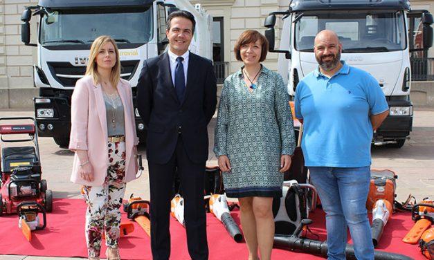 Nueva maquinaria y vehículos para el servicio de limpieza viaria y mantenimiento de zonas verdes