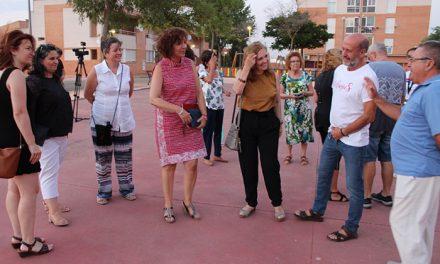 La alcaldesa anunció en La Pradera que los barrios contarán con un punto gratuito de acceso a internet