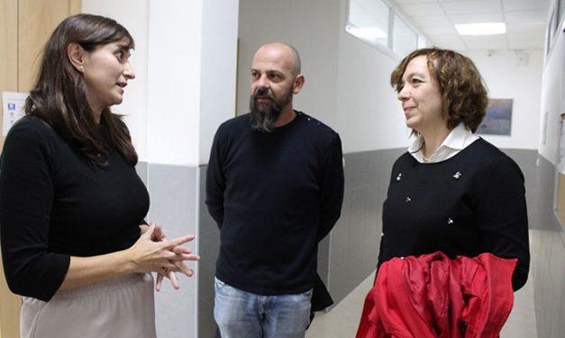 Ayuntamiento y Escuela de Adultos colaboran para ofertar un nuevo módulo técnico de atención a personas en situación de dependencia
