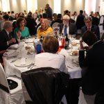 La Asociación contra el Cáncer volvió a reunir en Alcázar a cientos de personas en su tradicional cena solidaria