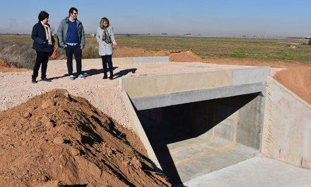 Las obras de rehabilitación de dos puentes sobre el río Córcoles van a buen ritmo y finalizarán esta semana