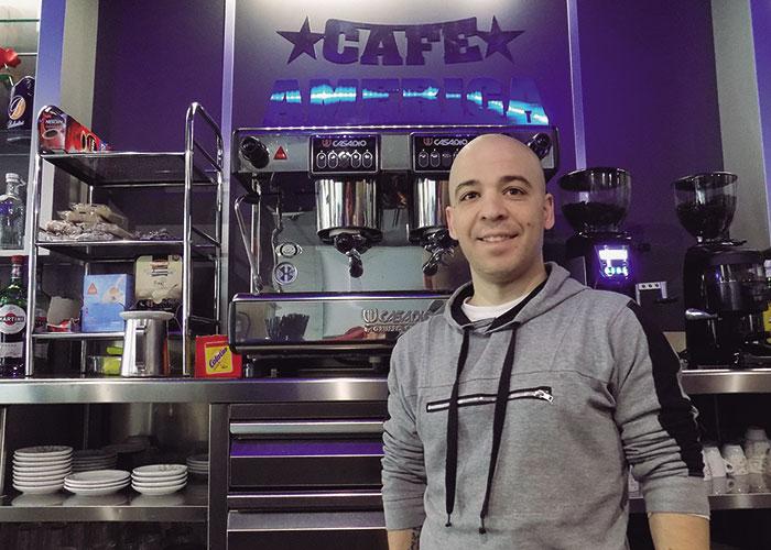 Café América (Pedro Muñoz)