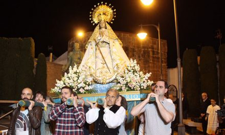 José Manuel Fernández Cano pidió licencia para cantar los mayos entre coplillas y chascarrillos