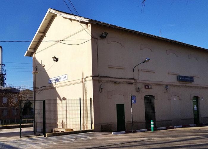 La estación de tren criptanense volverá a prestar el servicio de venta presencial de billetes a los viajeros