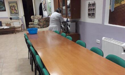 Concluyen los servicios de limpieza profunda y desinfección de edificios municipales y de otras administraciones de Alcázar