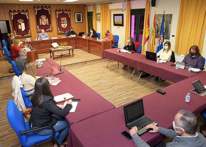 El Pleno aprueba ampliar la partida de subvenciones a emprendedores para inversiones