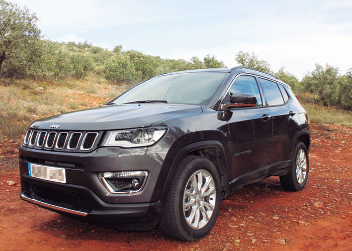 Ayer&hoy prueba los nuevos Jeep enchufables