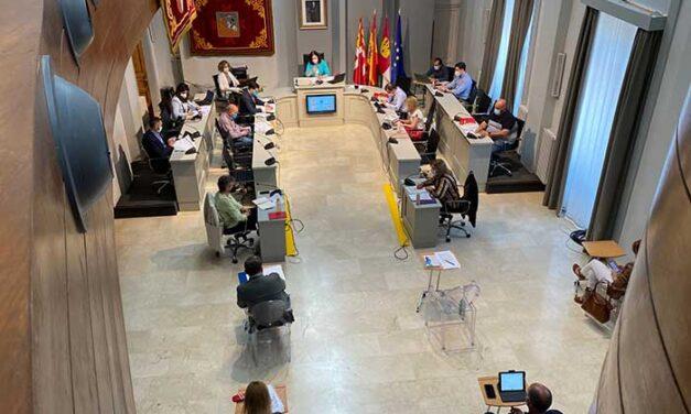 El pleno aprueba la financiación plurianual de la Plaza de España y una moción institucional en defensa del sector agroalimentario