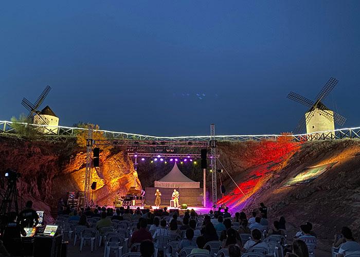 """Comienza el ciclo de conciertos en el auditorio """"Corazón de La Mancha"""" en la cantera del cerro de los molinos"""