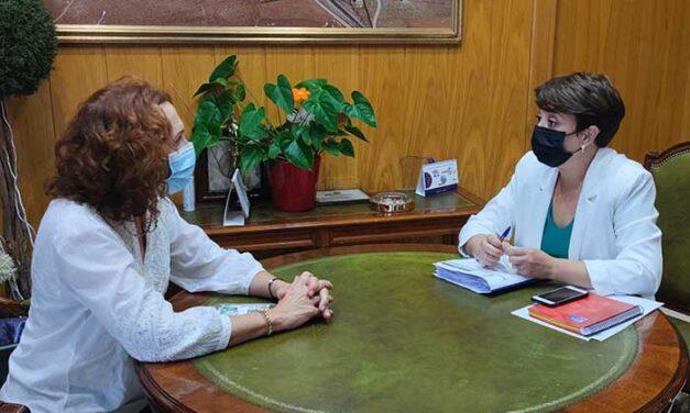 La Alcaldesa y la Subdelegada del Gobierno en Ciudad Real tratan diferentes asuntos de seguridad en Socuéllamos.